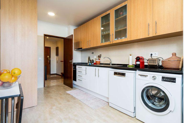 Apartamento de 3 Assoalhadas com Parqueamento no Coração de Lisboa